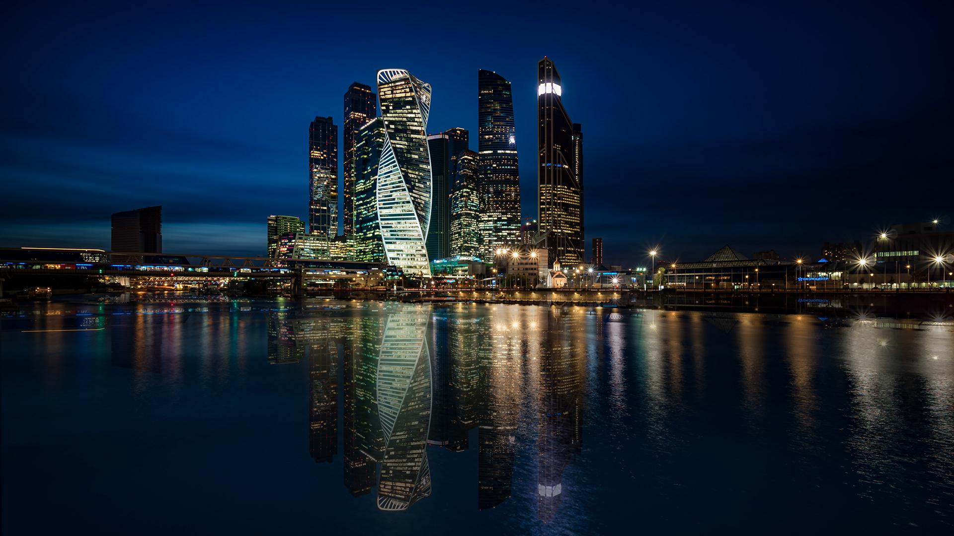 Ежедневная речная прогулка «Вечерняя Москва» от Москва-Сити до парка Зарядье